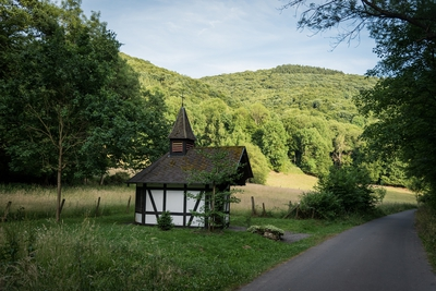 Mutter_Rosa_Kapelle_Fockenbachtal_2.jpg